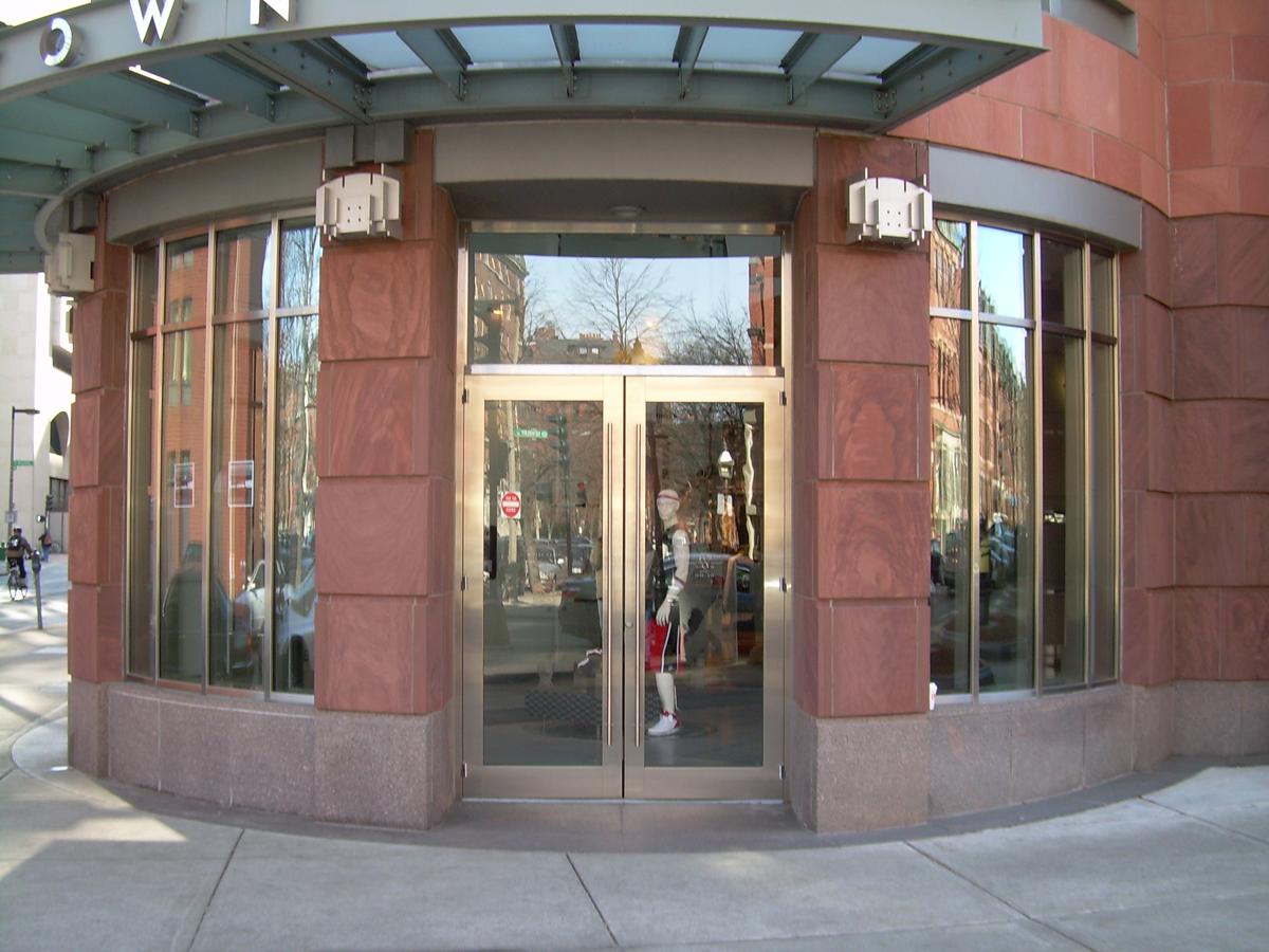 Aroyan inc tubelite distributor aluminum storefronts for Aluminum storefront windows